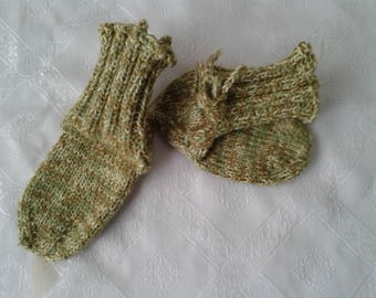 Band knitted baby socks