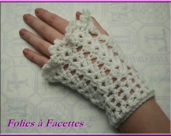 romantic fingerless gloves crocheted arm warmers flouncy white lace
