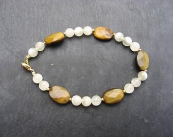 Bracelet with Tiger eye and yellow quartz - 490