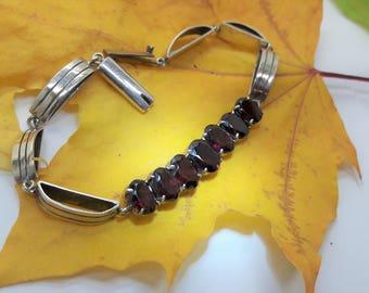 Red Garnet Sterling Silver Link Bracelet/January Birthstone/  Handmade/Vintage/Free Shipping US/Birthday/Christmas  /Valentine/Anniversary