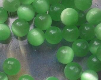 6 ROUND BEADS 8 MM GREEN GLASS CAT'S EYE