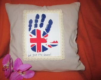 "To order pillow embroidered-imprint ""God Save the Queen"""