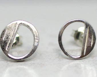 925 Sterling Silver Alphabet Letter O Initial Stud Earrings
