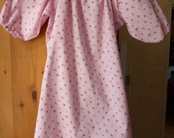 Nightgown with pink flowers striped 2/3 years learning