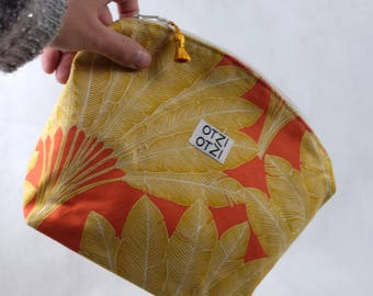 Toiletry bag - makeup bag - woman - Orange printed yellow fins