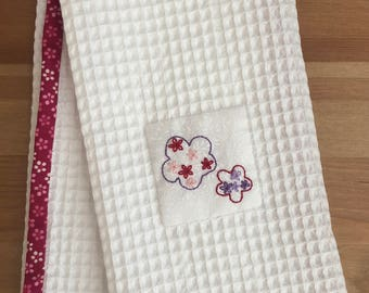 Handmade hand towel with Cherry Blossoms contour motif hand-embroidered by Apples N' Thyme