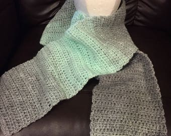 Soft scarf with mint green and grey
