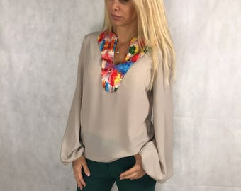 Top/Blouse with beautiful signature prints