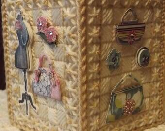 Purses - Manequin - Perfume - Flowers  /  Tissue box cover - Handmade - Plastic Canvas - Boutique Size