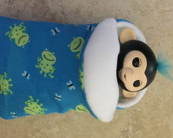 Fingerlings Finger Monkey Blue green frogs sleeping bag accessory