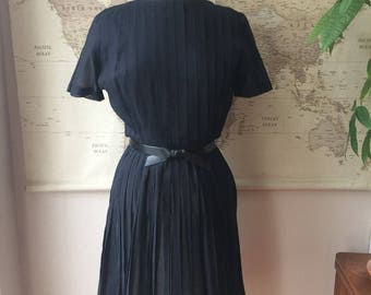 Vintage Black Dress // vintage cocktail dress // vintage dress // large