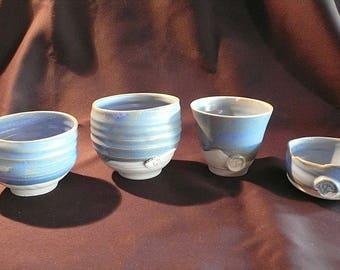 Set of 4 porcelain bowls