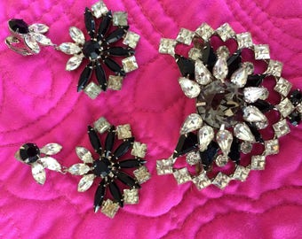 Beautiful vintage rhinestone earings and hairclip