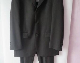 2129: Arrow T50 lolau grey suit