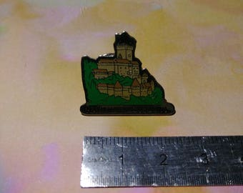 PIN enamel pin vintage from the castle of the top Koenigsbourg, Alsace