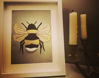 Bee Gift,Bee Frame,Bee Wall Art,Bumble Bee Gift,Bumble Bee Picture,Bee Lover Gifts,Insect Picture,Housewarming Gift,Mothers Day Gift,Gifts
