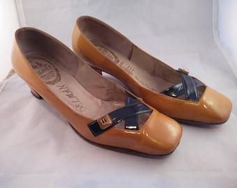 Vintage Delman patent leather pumps
