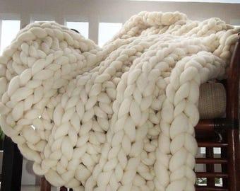 chunky knit decke etsy. Black Bedroom Furniture Sets. Home Design Ideas