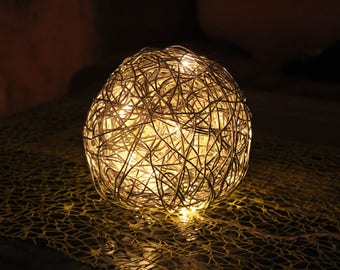 Wire Ball Lamp