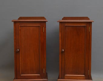K0267 Pair of Victorian mahogany bedside cabinets