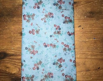 Reusable Beeswax Food Wrap Vintage Floral Ditsy Print Blue Small 20cm x 20cm Eco Friendly