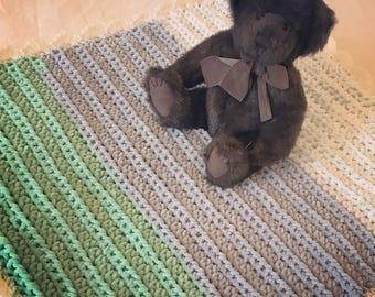 White and Green Newborn Baby Blanket, Crochet Throw, Afghan Baby Blanket
