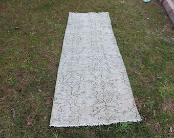 Free Shipping rustic rug 2.6 x 8.1 ft. bohemian rug runner rug wall hallway rug pale color rug muted rug floral design rug floor rug MB399