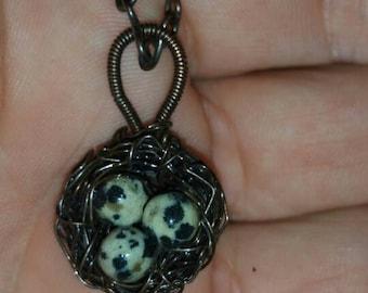 Birdnest pendant, dalmatian jasper stones