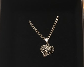 Stunning Silver Heart Pendant Necklace