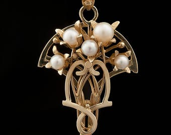 "Gold Pendant with pearls ""Lily of the valley"""