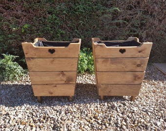 Pair of stylish Hatchlings tall planters