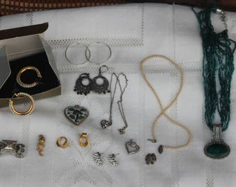Lot of vintage costume Jewerly