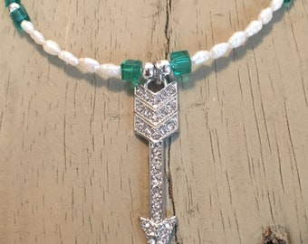 Freshwater pearl arrow necklace