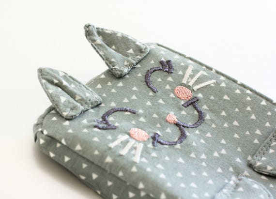 Kitten Clutch / Jolie. Gray triangles wristlet purse. Birthday gift idea for her. Cute small gray clutch. Cat mom gift. Wristlet bag.
