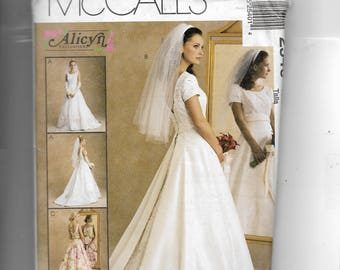McCalls' Misses' Bridal Gown and Bridesmaid's Dress Pattern 2540