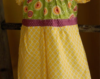 2T/3T Beautiful  Tiered Peasant  style girls dress.
