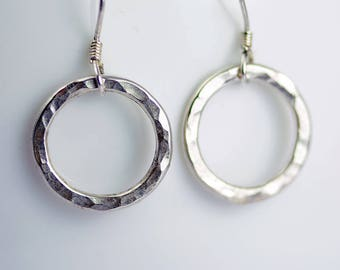 Silver Circle Earrings - Sterling Silver Dangle Earrings - Everyday Earrings - Silver Drop Earrings Gift Earrings Geometric Jewelry - E3008