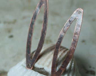 Hand hammered textured antique copper dangle drop charm size 36x10mm, 2 pcs (item ID XMXW00792ACK)