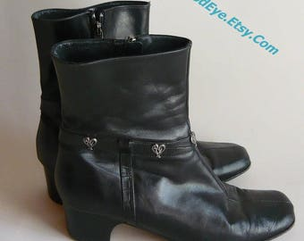Vintage BRIGHTON Leather Ankle Boots / size 7 M  Eur 37 .5 Uk 4 .5 / Black Low Heel Silver Heart Studs / made in Italy