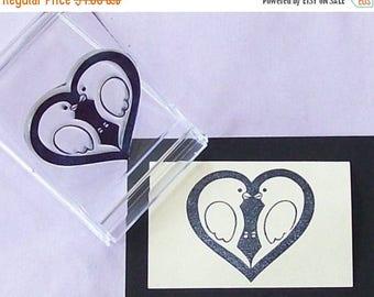 Xmas in July Lovebirds Heart Rubber Stamp Medium 125