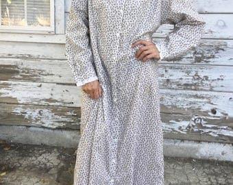 Vintage 90s Laura Ashley dress,nightgown,house dress,fine cotton,floral,flower dress,lace,long sleeve,long,maxi,soft,feminine,cozy,comfy