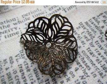 SALE 20% Off Antiqued Brass Lacy Trumpet Flower Filigree Components 27X25mm 6 Pcs