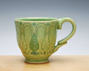 Topiary Deco mug in Spring Green gloss w. Colorized & Navy detail, Victorian mod mug