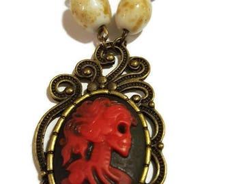 La Muerta Skull Cameo Bead & Chain Necklace