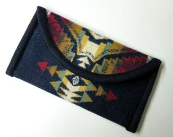 Wallet Clutch Bag Native American Print Blanket Wool from Pendleton Woolen Mills Magnetic Snap Closure Southwest