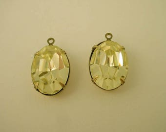 2 vintage glasss rhinestone yellow jonquil  oval 18x13 brass ox  setting 1 ring charms