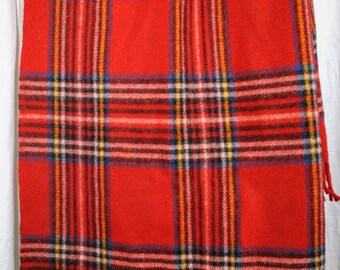 Vintage FARIBO Faribault Plaid Stadium Lap Blanket Fringe 100% Wool 50 x 57 With Carry Case Seat