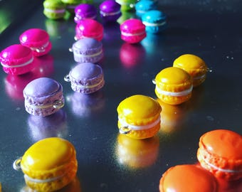 SALE Les Magnifiques Macarons: Deliciously Handsculpted Macaron Stitch Markers for Knitters and Crocheters