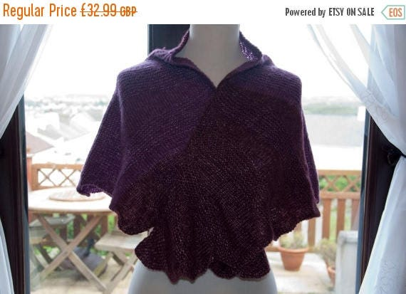 Christmas In July Handknitted Shawl/Shawlette in Shades of Burgundy
