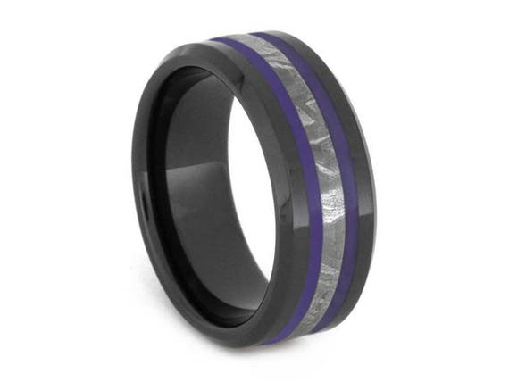 Grey asexual ring